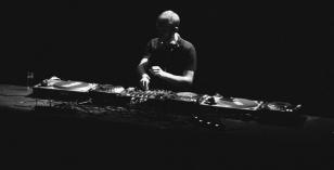 Yann Polewka – Le Visiteur Featured Artist & DJ Mix