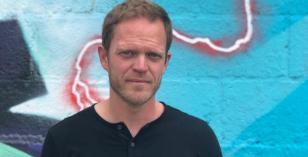 Joss Moog – Le Visiteur Featured Artist & DJ Mix