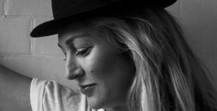 Sophie Lloyd – Le Visiteur Featured Artist & Mixtape 061